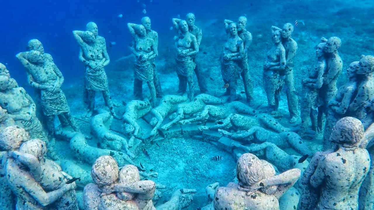 Statue sott'acqua Gili Meno, Indonesia