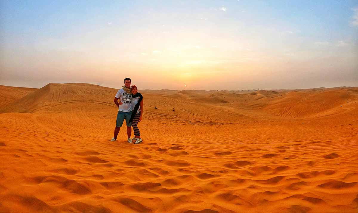 Deserto Dubai al tramonto