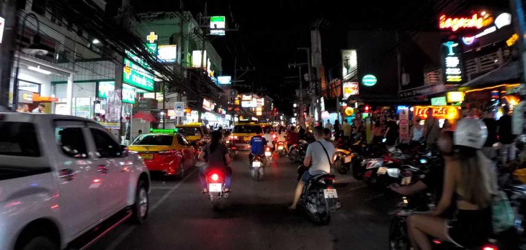Koh Samui, traffico alla sera