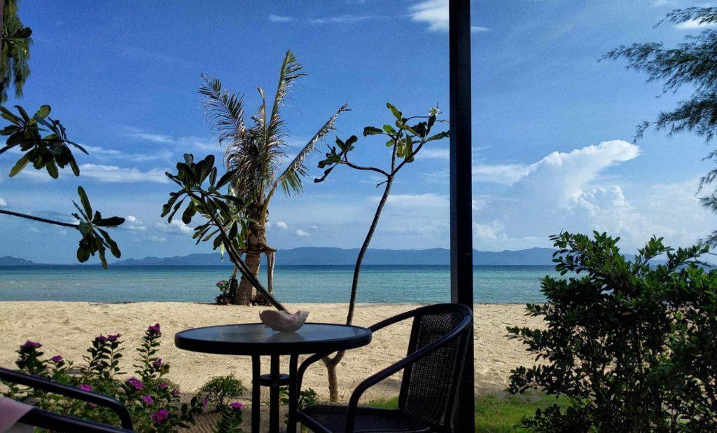 La spiaggia di Koh Phangan dalla mia veranda al SeaEsta Beach