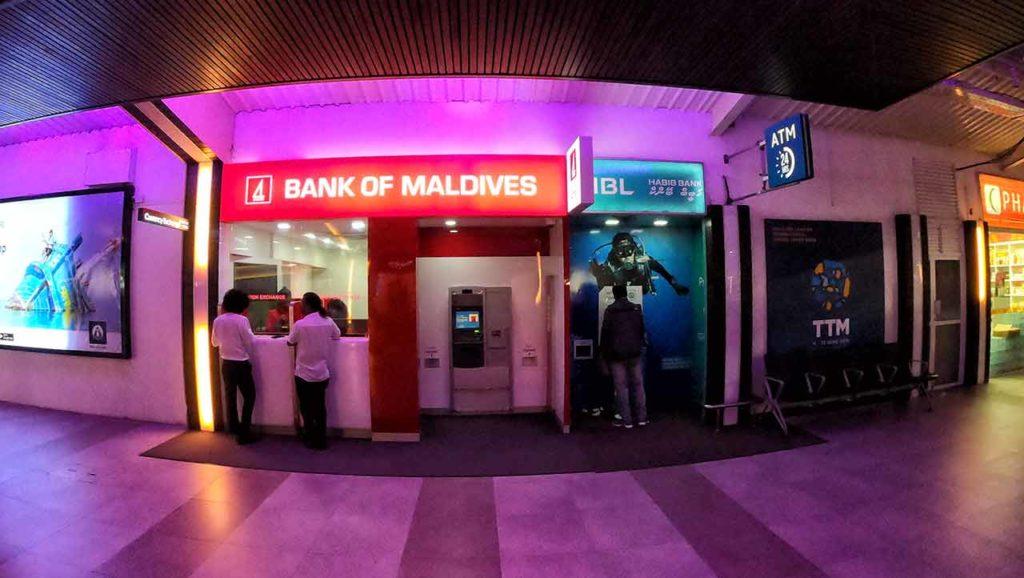 Sportelli bancomat a Malé (Maldive)