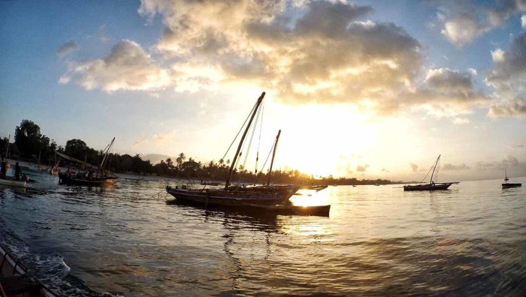 Zanzibar a Gennaio: l'alba in barca