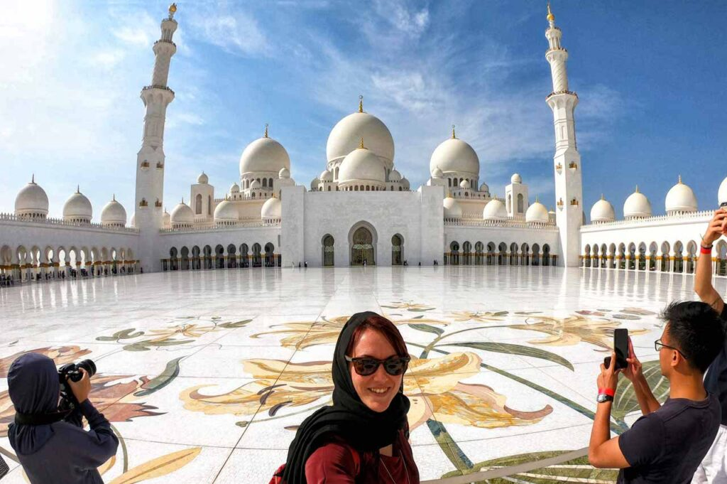 Cortile interno moschea Abu Dhabi