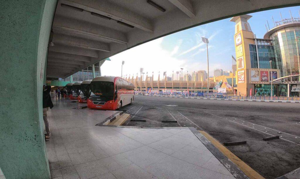 La stazione dei bus di Abu Dhabi