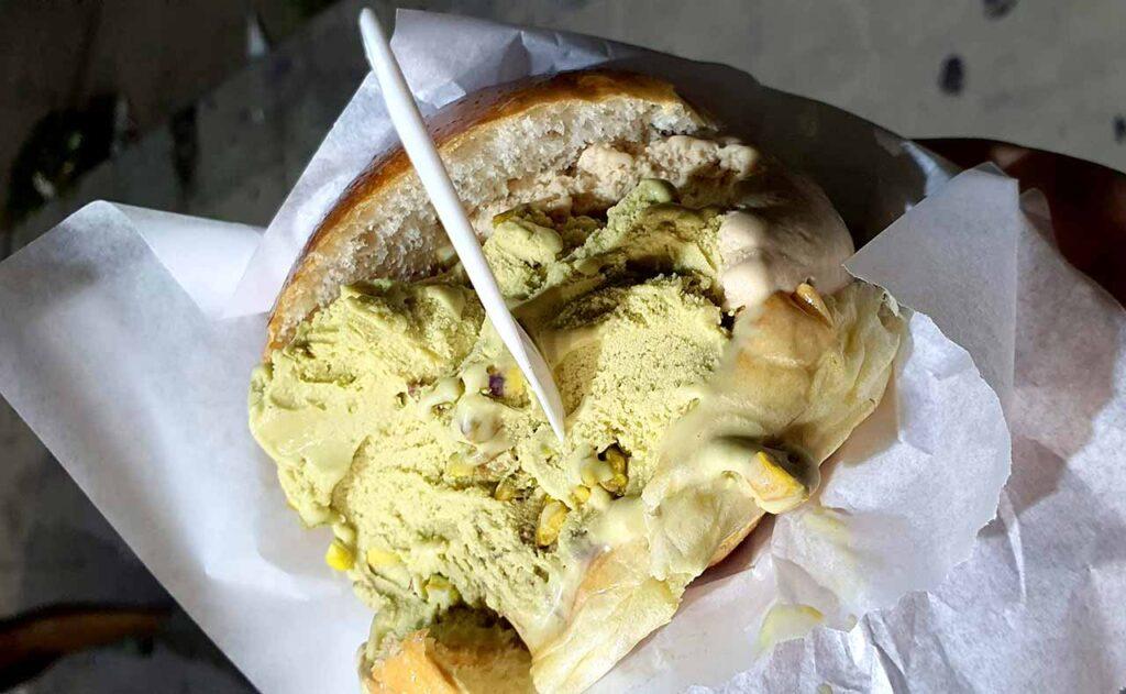 Brioche con gelato a Palermo
