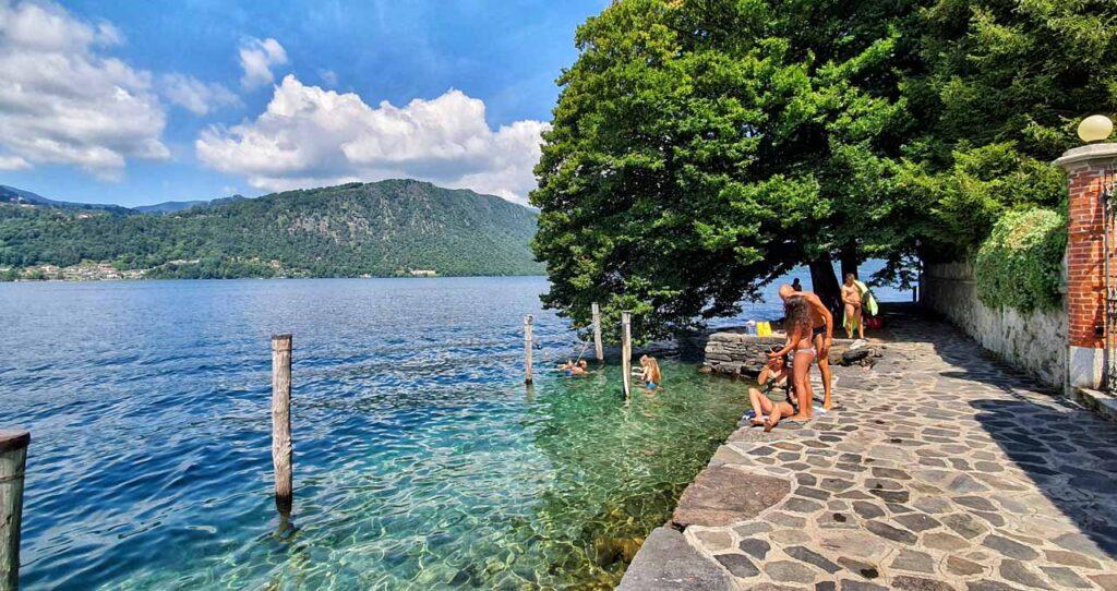Le acque cristalline del Lago d'Orta