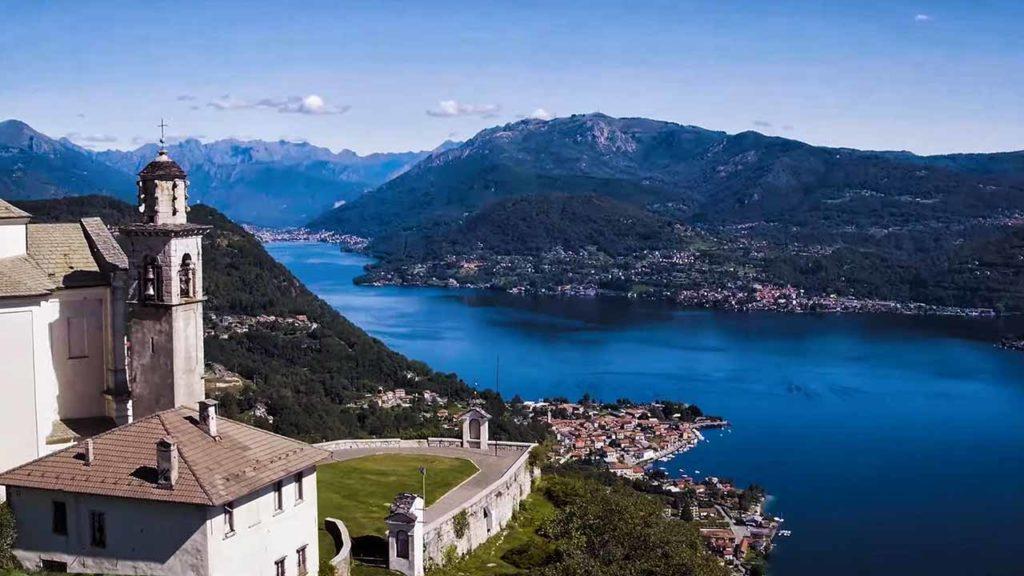 Vista aerea dal Santuario della Madonna del Sasso sul Lago d'Orta