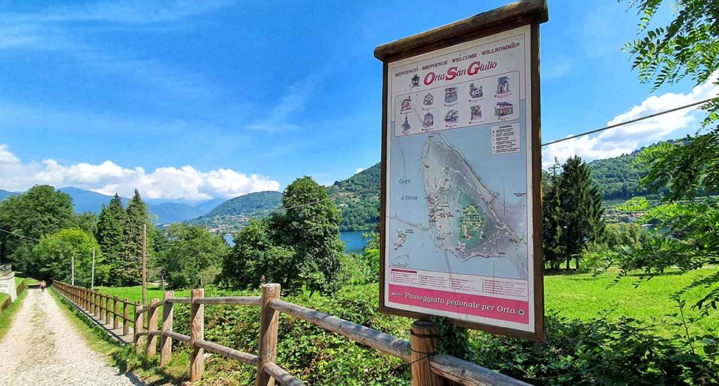 Indicazioni per il sentiero che conduce al Lago d'Orta