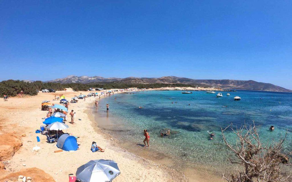 Una delle spiagge del promontorio di Alyko a Naxos